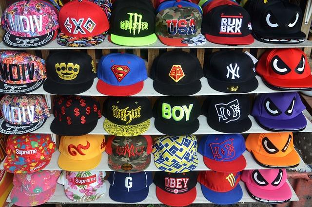 כובע עם שם – הפרסומת הכי טובה שיכולה להיות לנו