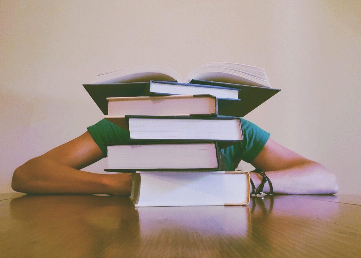 איך לבחור שולחן לימודי