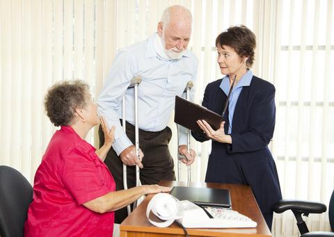 איך מגישים תביעה על תאונת עבודה בביטוח לאומי?